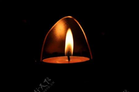 祈福的蜡烛伤感网页背景素材