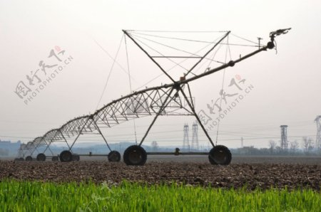 草地上的农业灌溉
