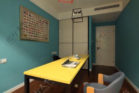 现代时尚书房蓝色背景墙室内装修效果图