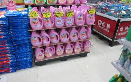 洗衣液洗衣粉超市卖场高清图片