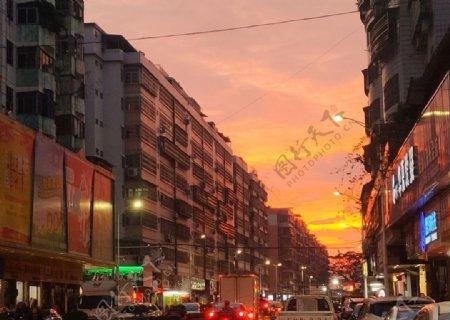 看似日出的夕阳图片