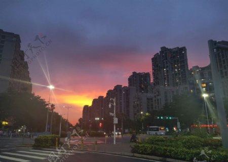 晚霞街景图片