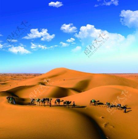 沙漠蓝天白云图片