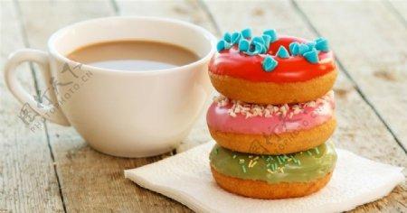 咖啡和甜甜圈图片