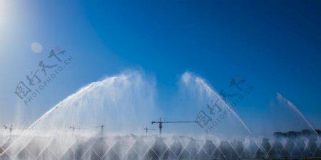 泰山西湖喷泉图图片